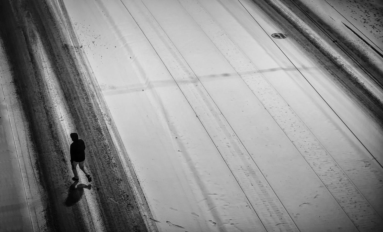 crossing by ver sus