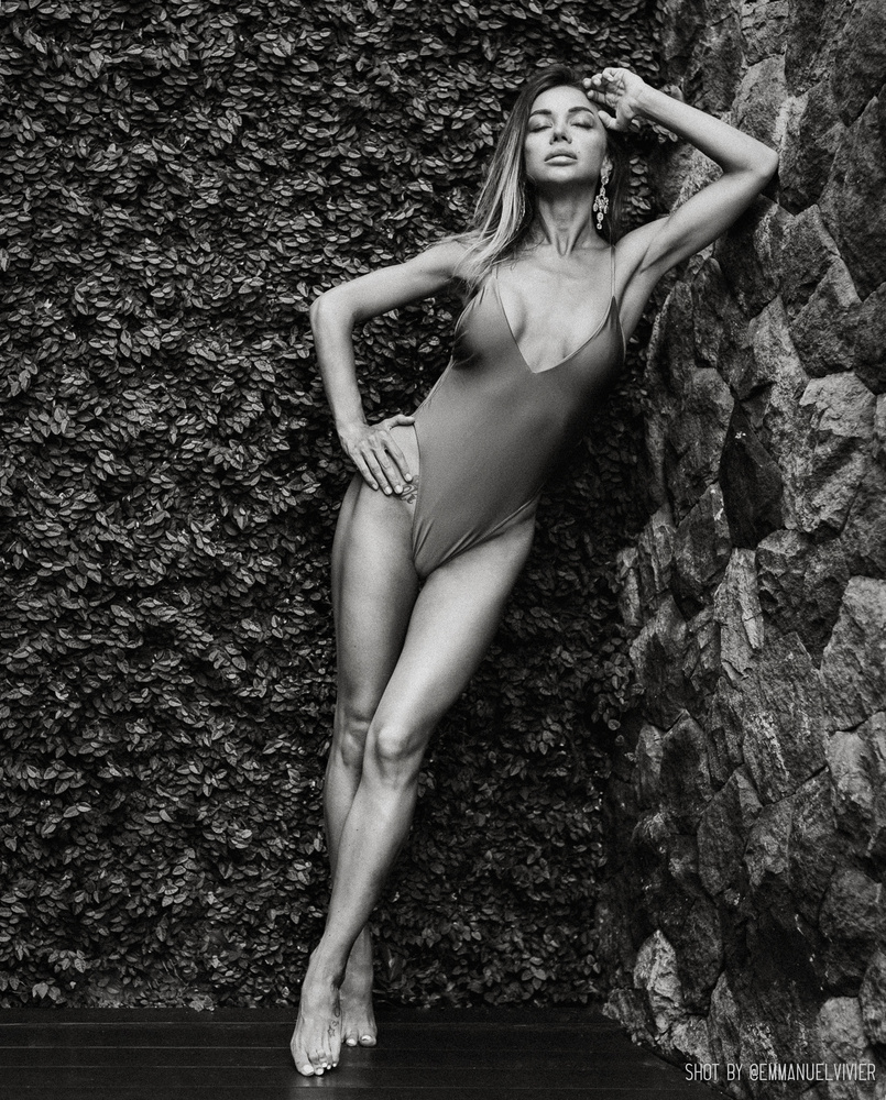 Katerina Firsa while in Bali, b&w by Emmanuel Vivier