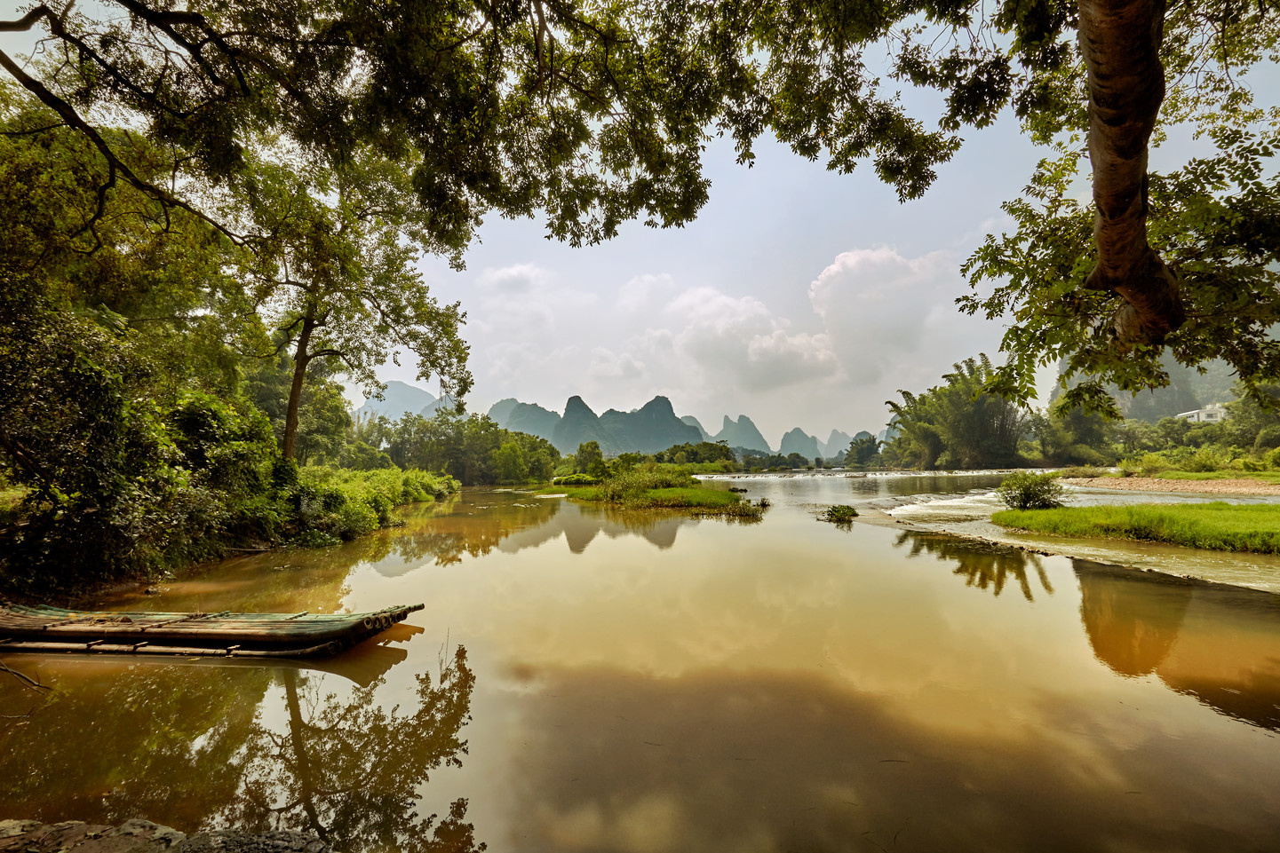 Yulong river by Yannick K.