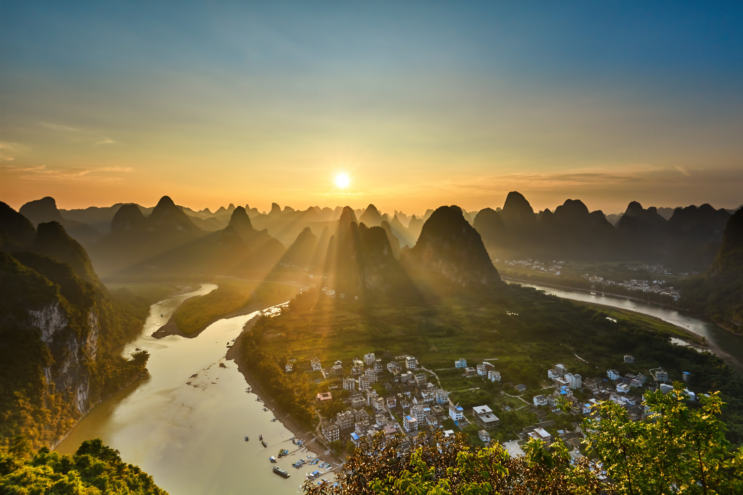 Sunset over Li River by Yannick K.
