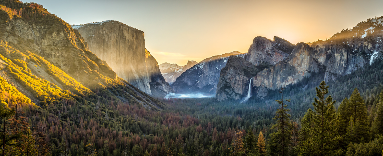 Sunrise in Yosemite by Daniel Wise