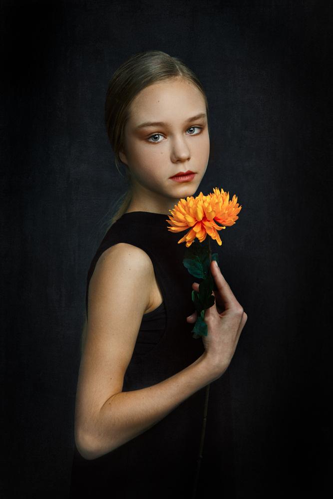FLOWER #1 by Max Chesnokov