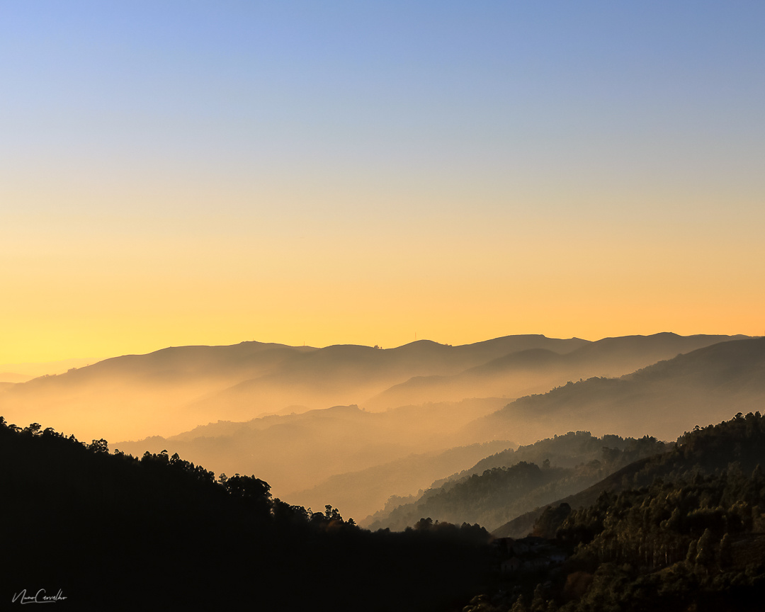 Road side Mountains by Nuno Carvalho