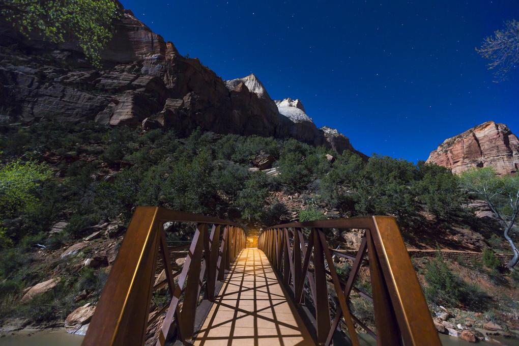 Zion Bridge  by gunnar Lindstrom