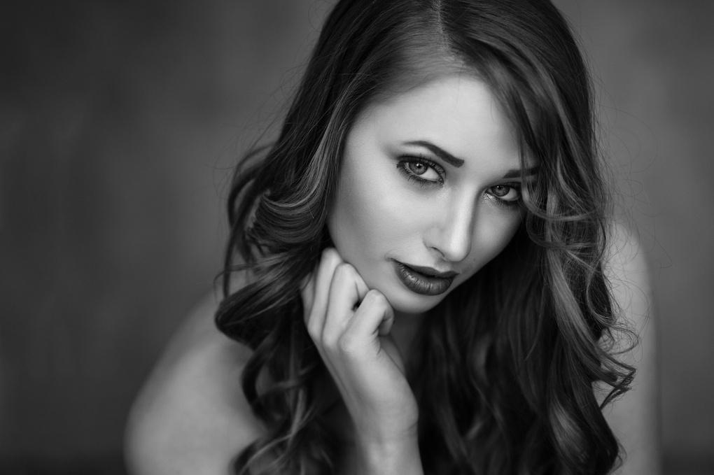 Vanessa by Tobias Glawe