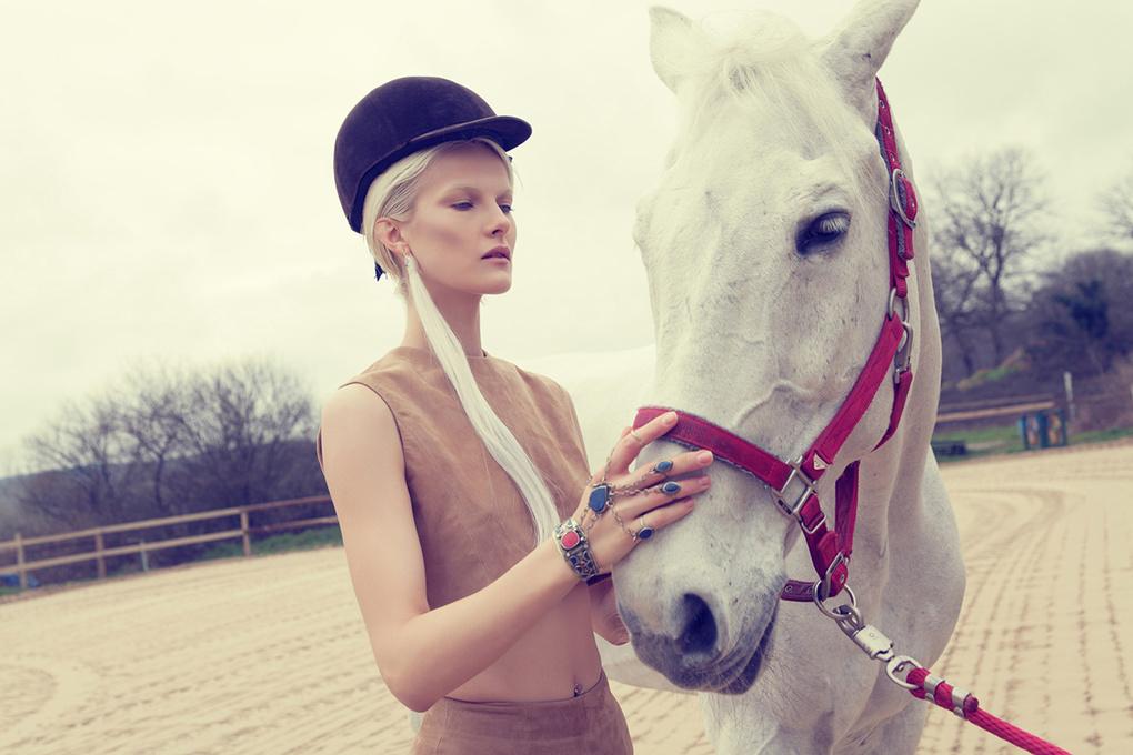 Editorial: Equestrian by Burak Erzincanli