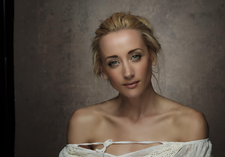 Beauty by Howard Ashton-Jones