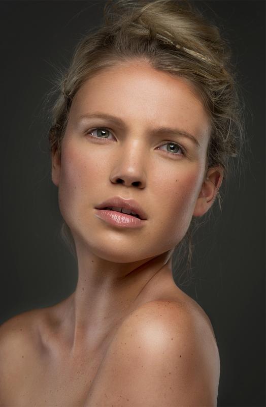 Dewy Beauty by Jason Poulin