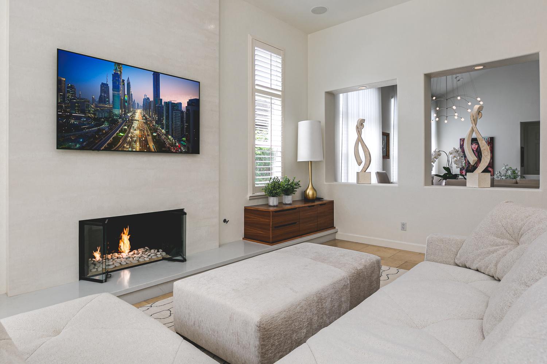 Del Mar Living Room by Ian Meyers