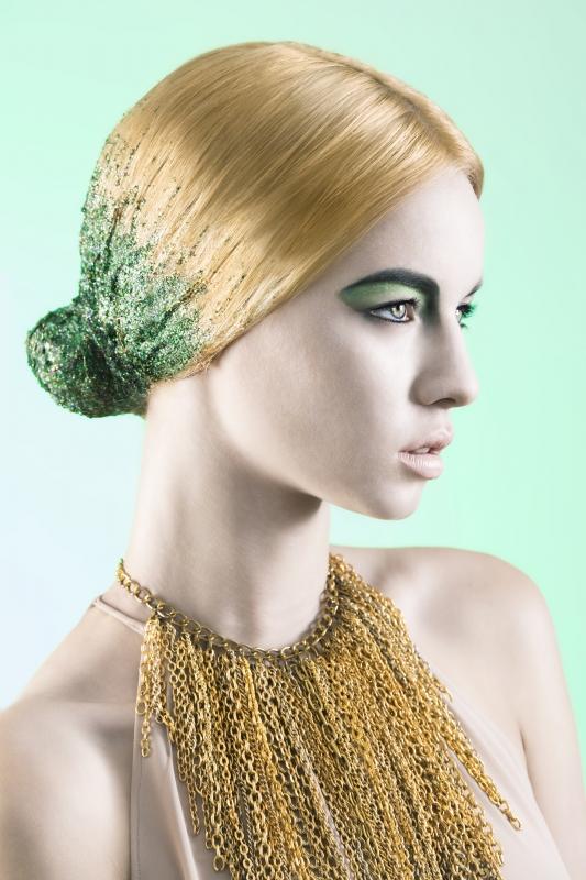 Golden Emerald by Felipe Zabala