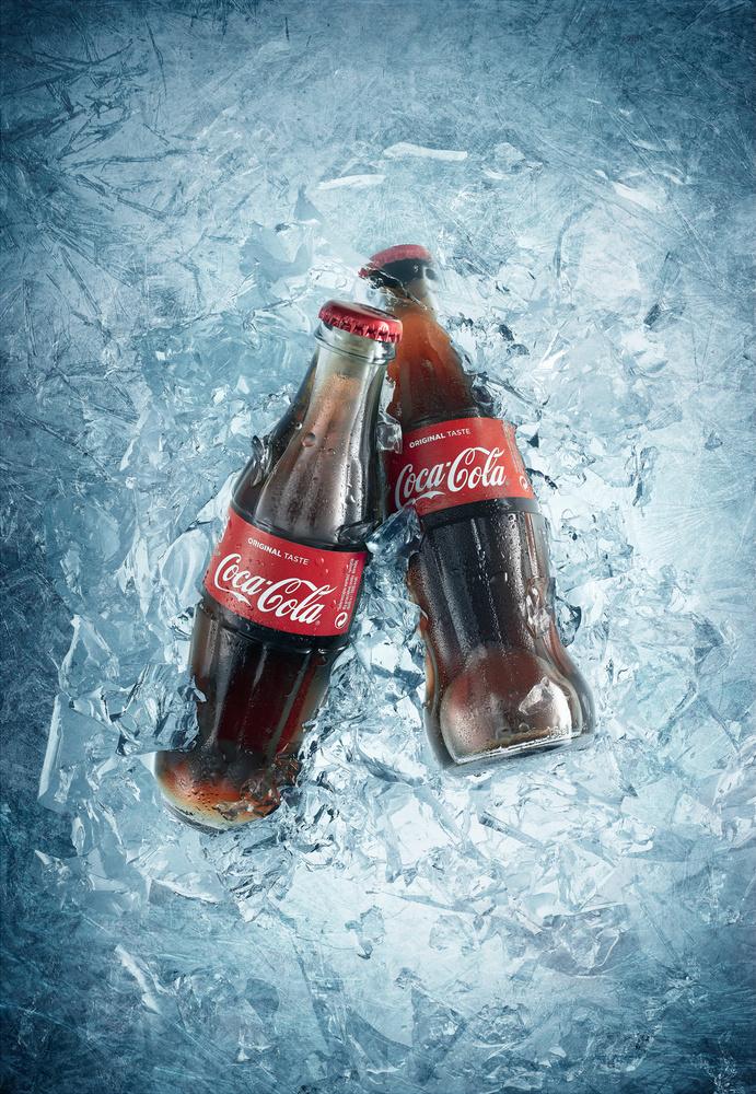 Iced Coca Cola by Piotr Maksymowicz
