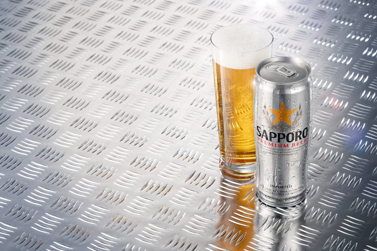 Sapporo beer by Piotr Maksymowicz