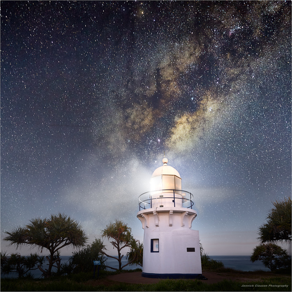 Fingal heads lighthouse  by Jannick Clausen