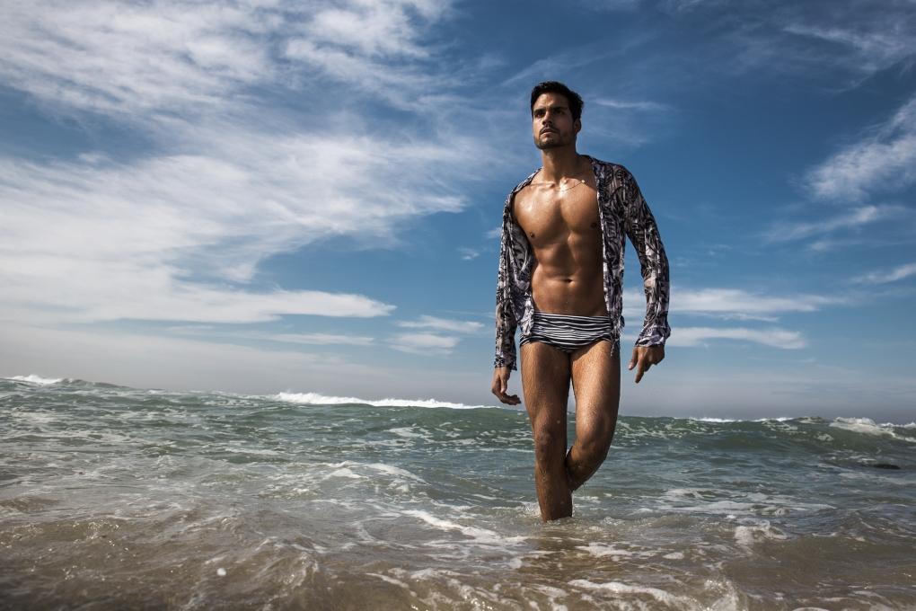 40 graus - attitude by Frederick Van Grootel