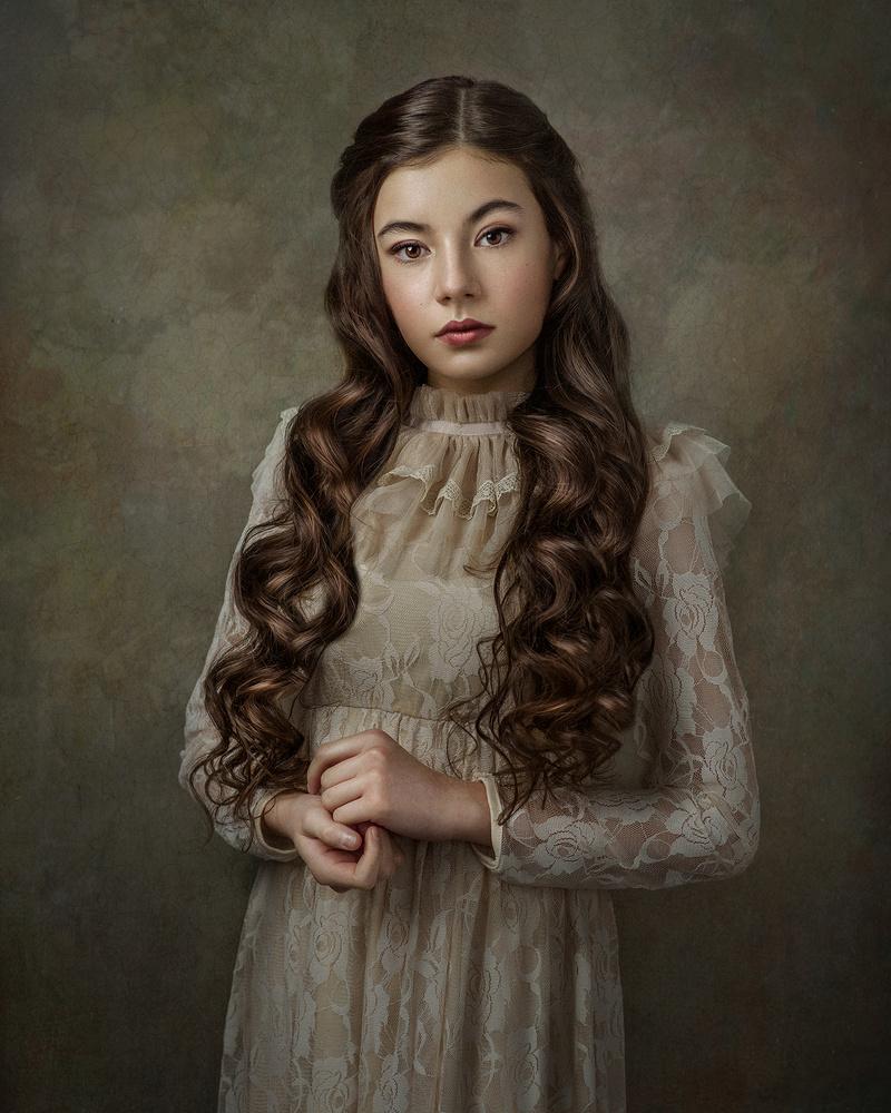 Portrait Noella by Barbara MacFerrin