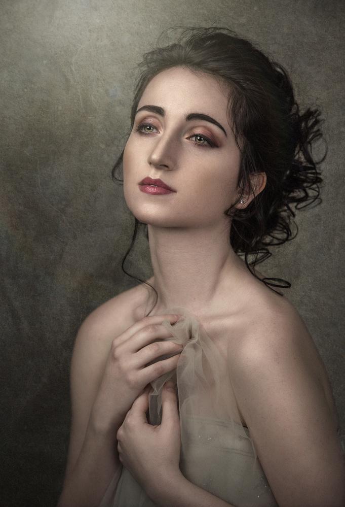 Portrait Madeleine by Barbara MacFerrin