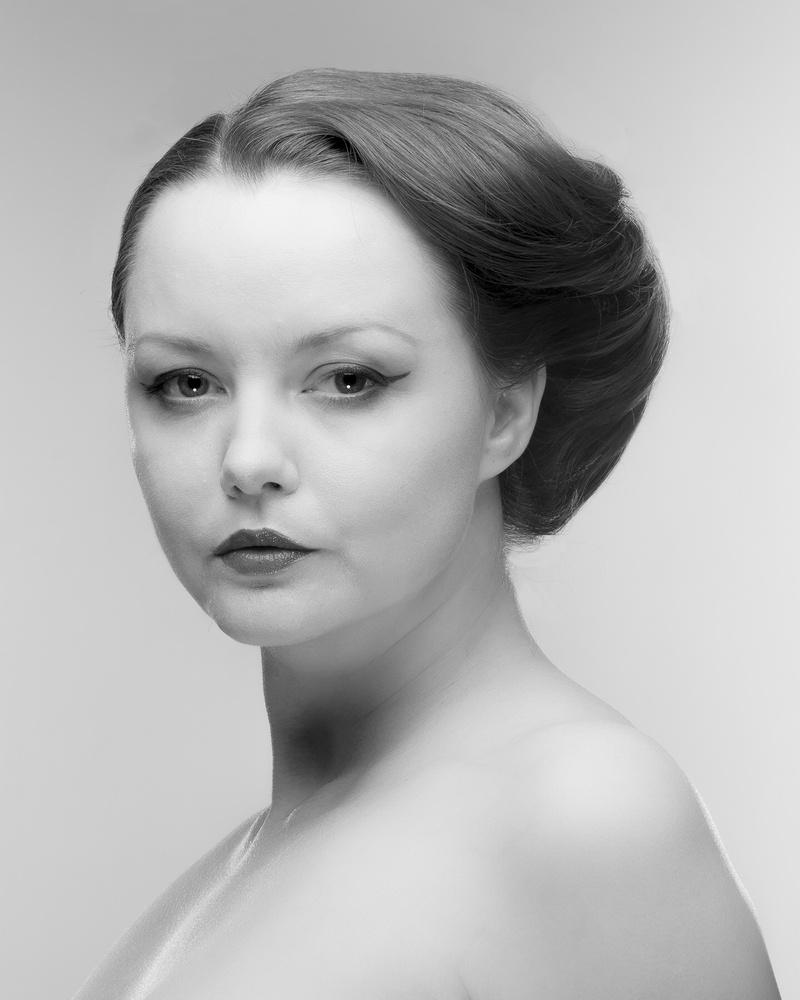 Victoria beauty 04 by Farzin Farhang