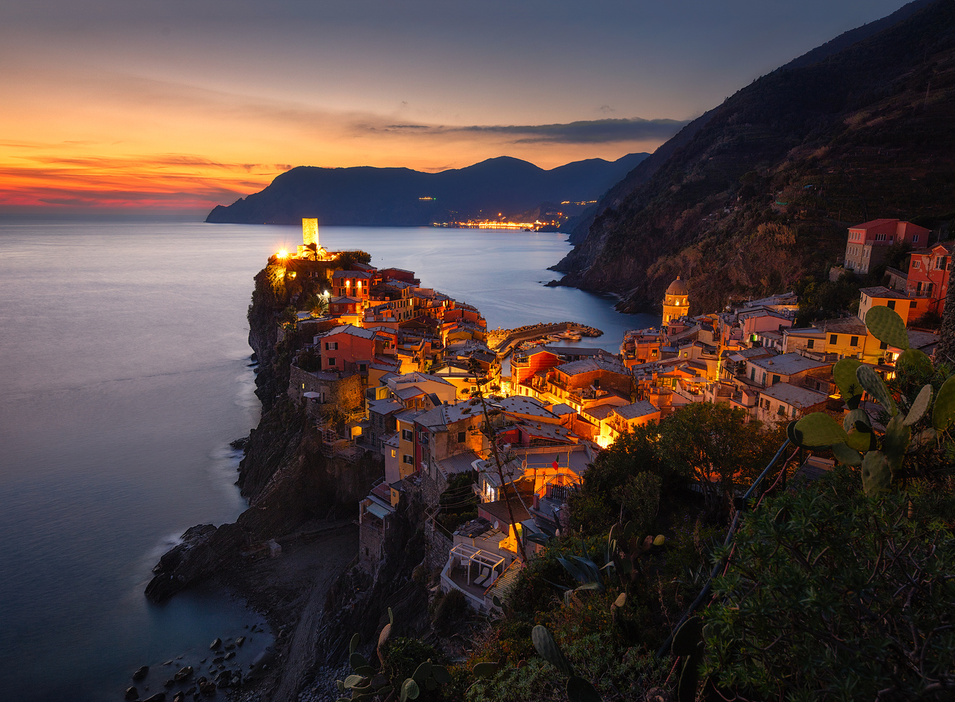 Sunset Vernazza  by Brian Ho