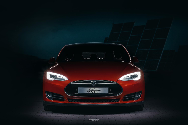 Tesla front by Krisztián Halmosi