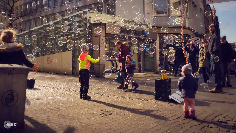 Bubblestreet by Erick Van Rijswick