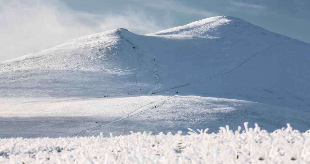 Skiddaw and Snow by Dariusz Wasilewski