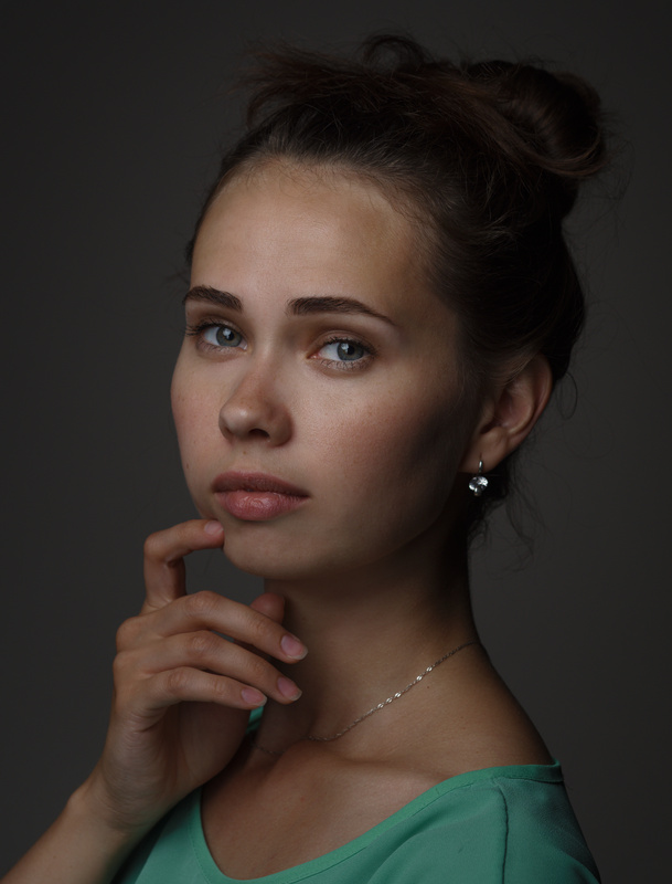 Julia by Ilya Varivchenko