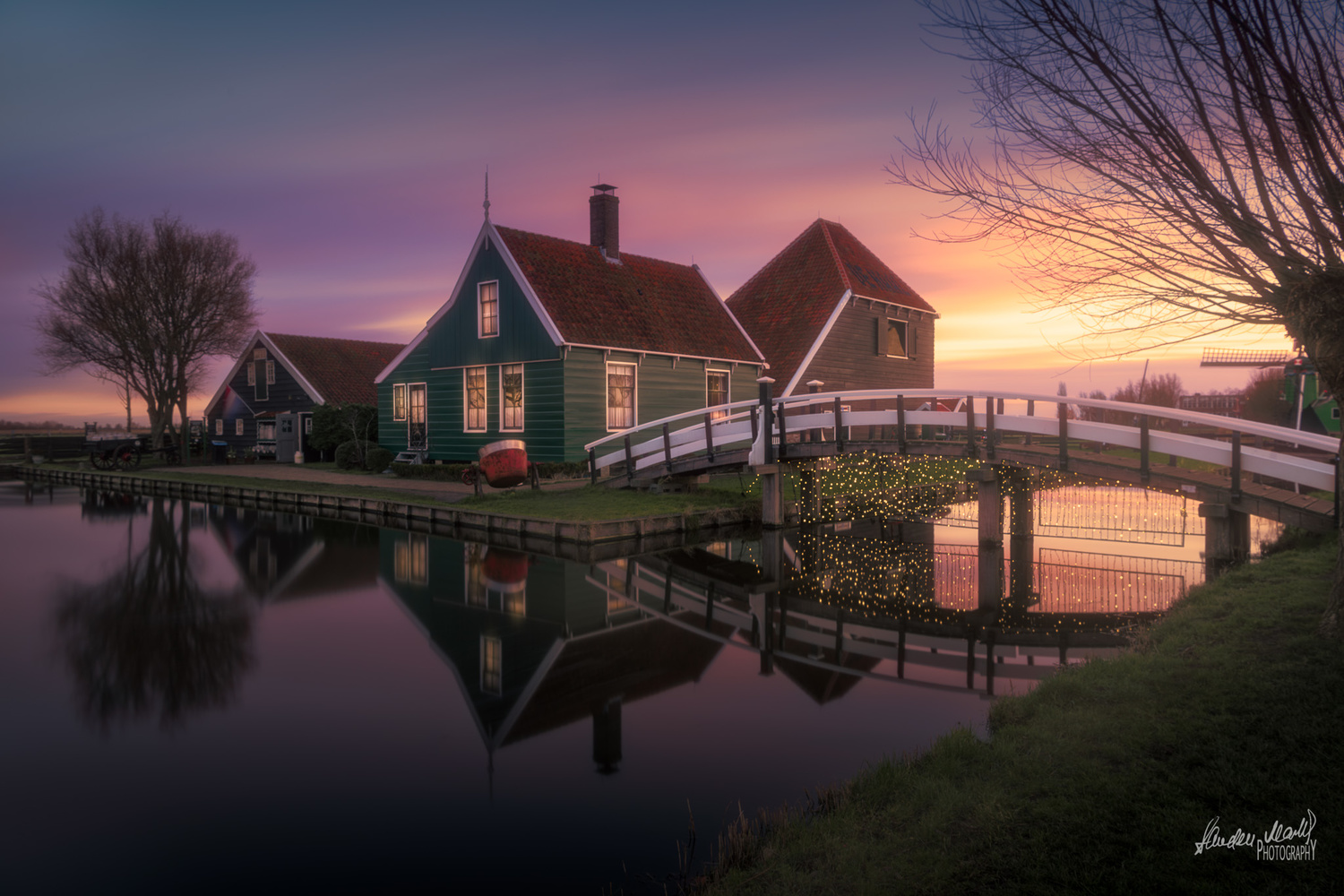 A sunrise at Zaanse Schans ! by SANDEEP MATHUR