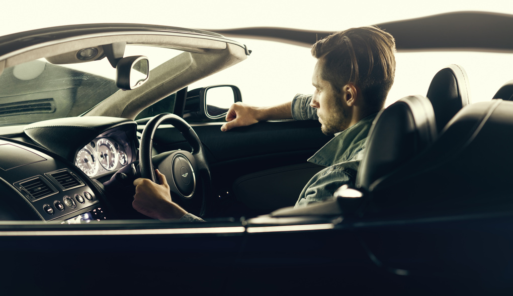 Aston Martin Vantage V8 by Максим Бондаренко