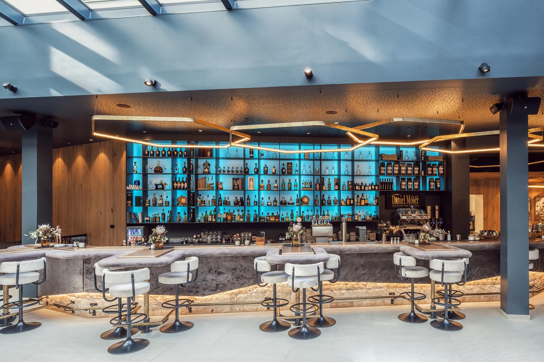 Alpin Lounge. by Matthias Dengler
