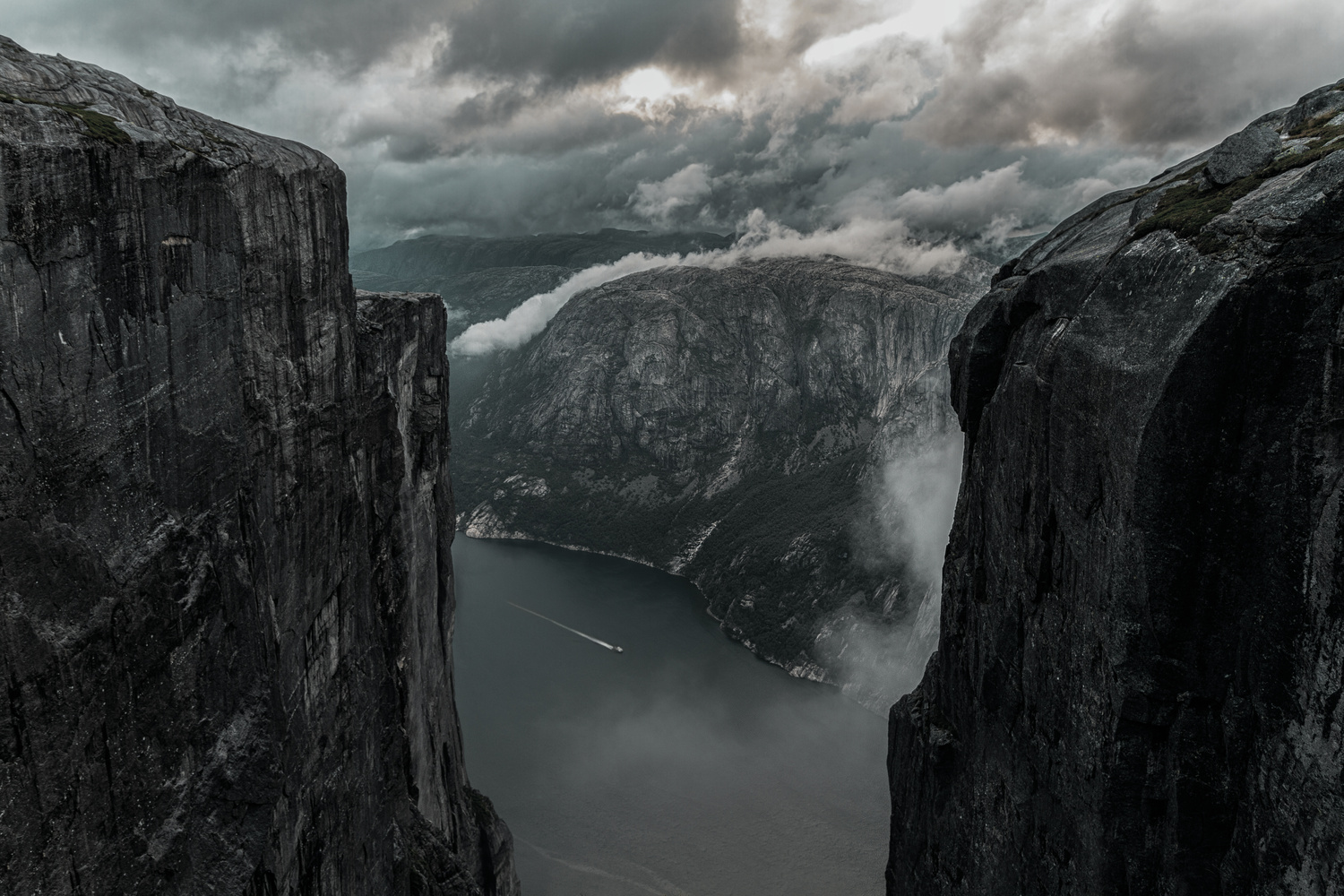 It's getting dark in the fjords. by Matthias Dengler