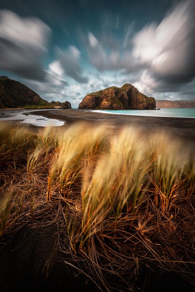Whatipu Wind by Kieran Stone