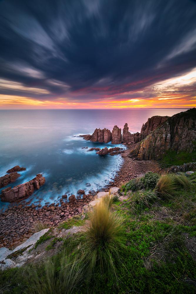 Pinnacles Sunset by Kieran Stone