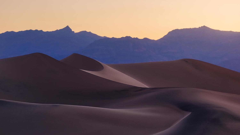 Dunes  by Oleksandr Mokrohuz