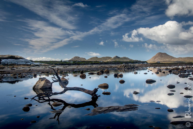Sirkelsvlei Reflection by Rhoderic Lourens