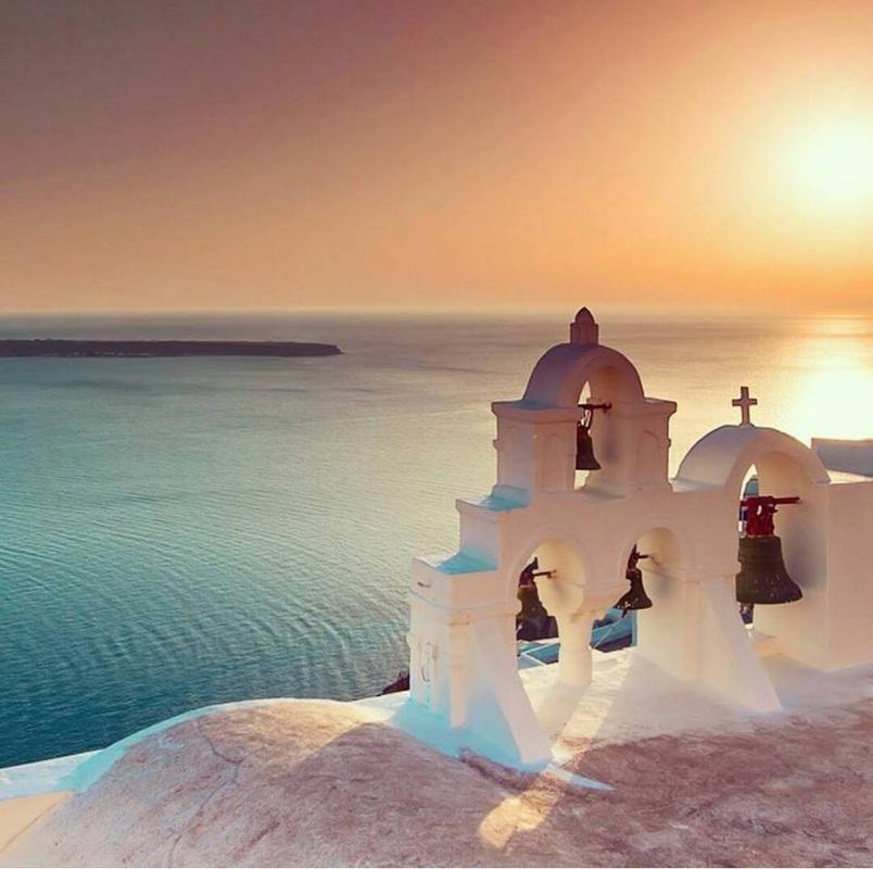 Santorini by Vipin Menon