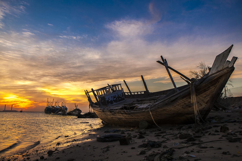 abandoned ship by Fahad alfahad