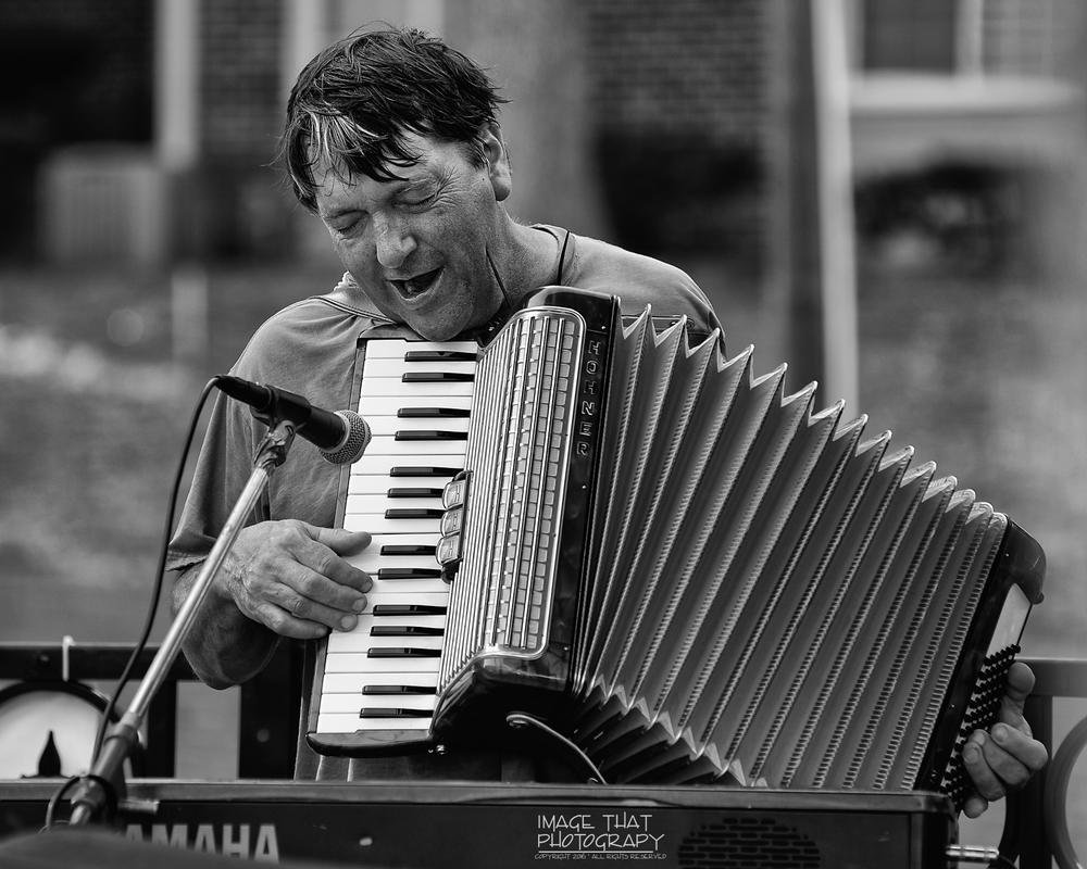 Music man... by Fon Denton