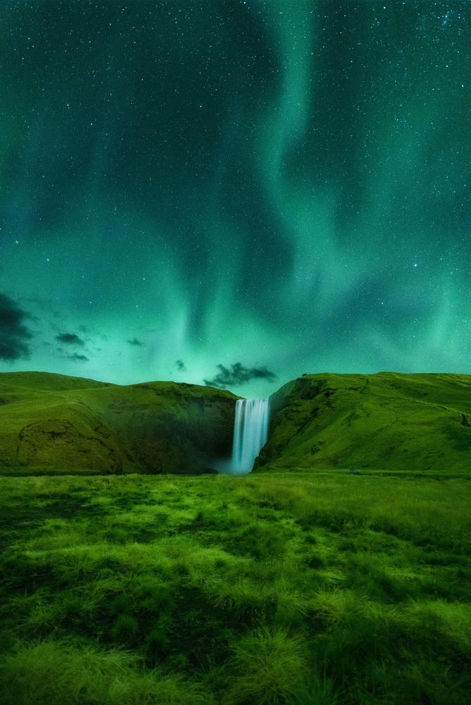 Aurora Falls by David Wilder