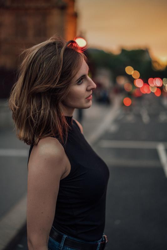 Julia in London by oliver ahrndt