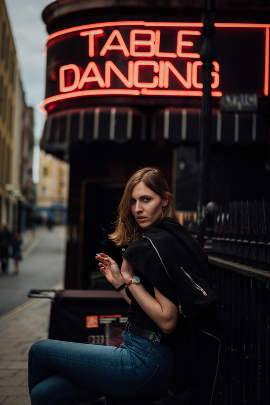 Julia in London by oliver ahrndt