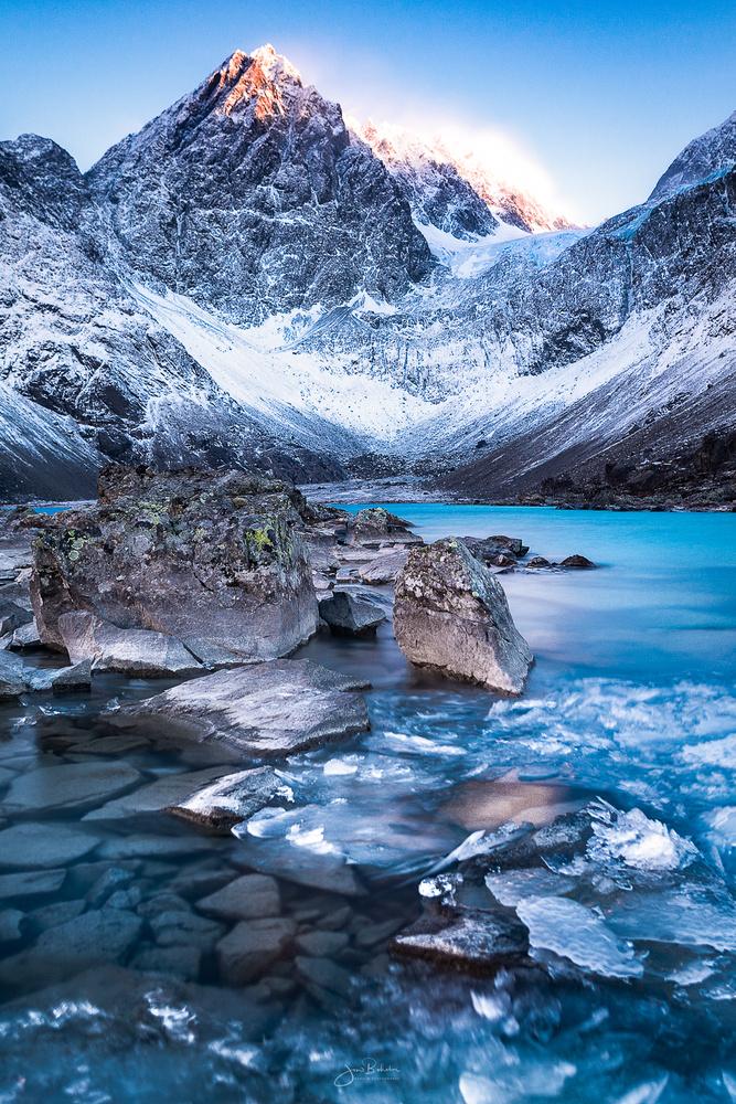 Lyngen Alps by Jon-Eirik Boholm