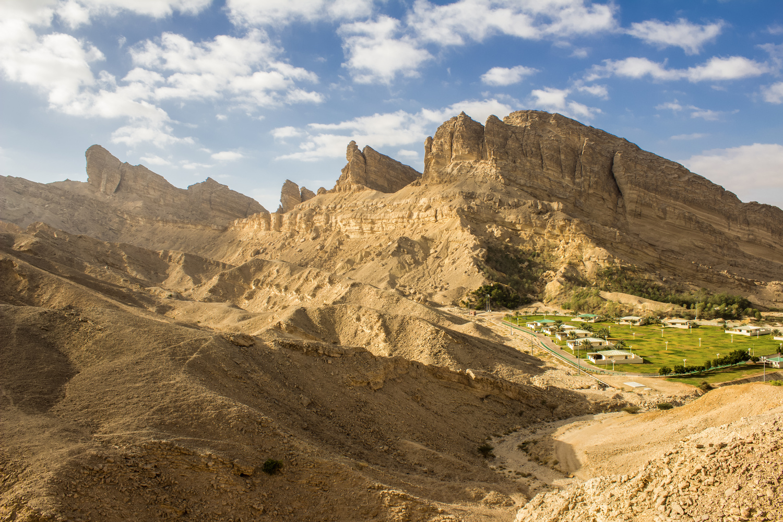 Hafeet Mountain (Jabal Hafeet)  by hamza saleh