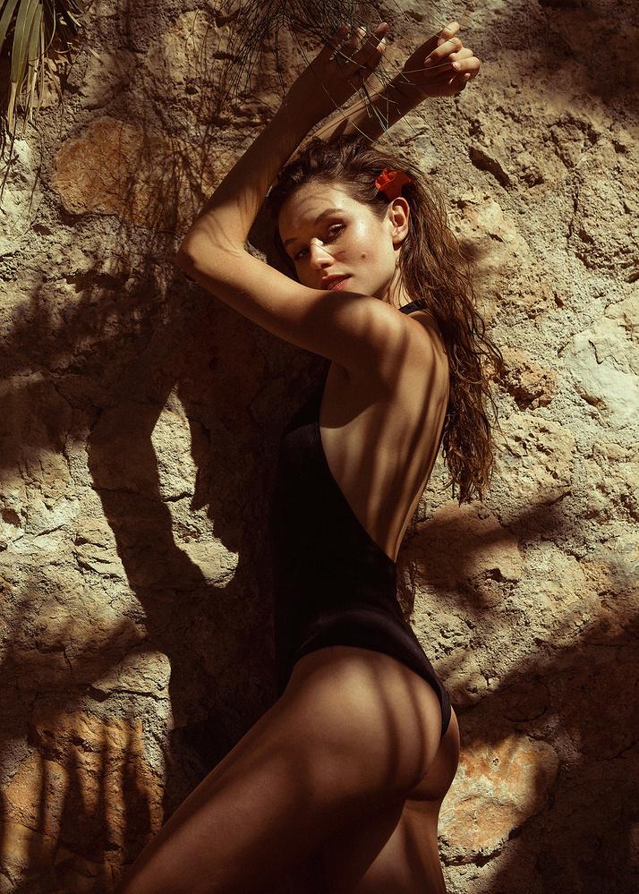 Leticia by Tasos Anestis
