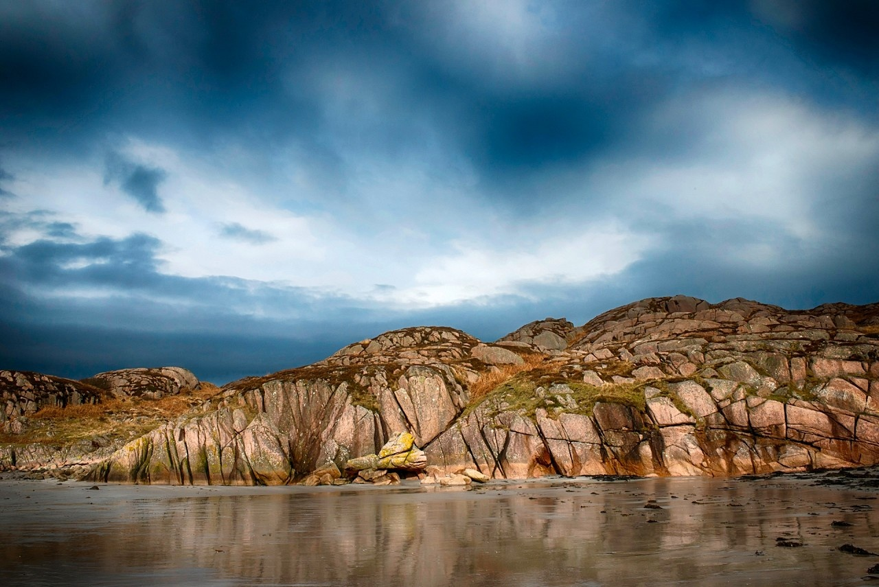 Cracked Rock by paul fairbrother