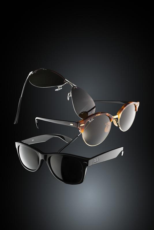 flying-glasses by Paweł Kruchowski