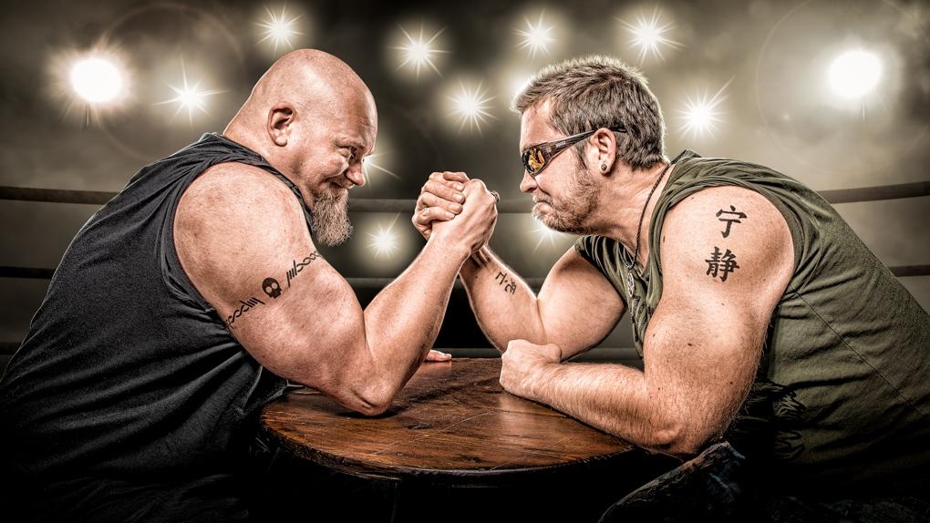 Arm Wrestling by Petri Damstén