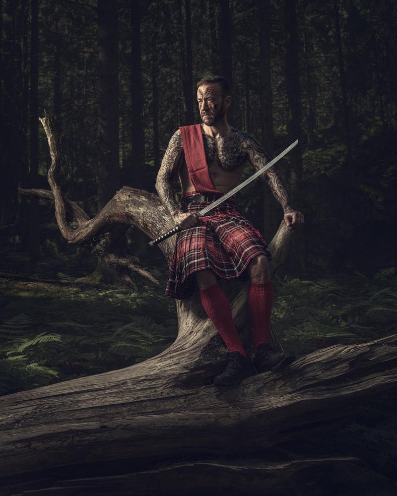 Highlander - Throne by Petri Damstén