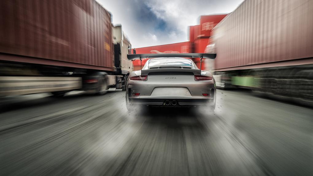 Silver Porsche GT3RS by Patrick Knecht