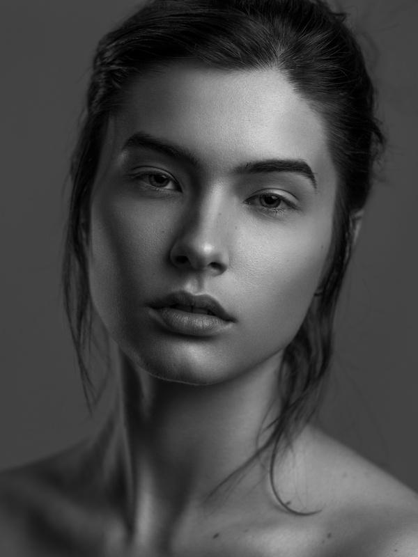 Ruxandra by Lucas Ambrosio