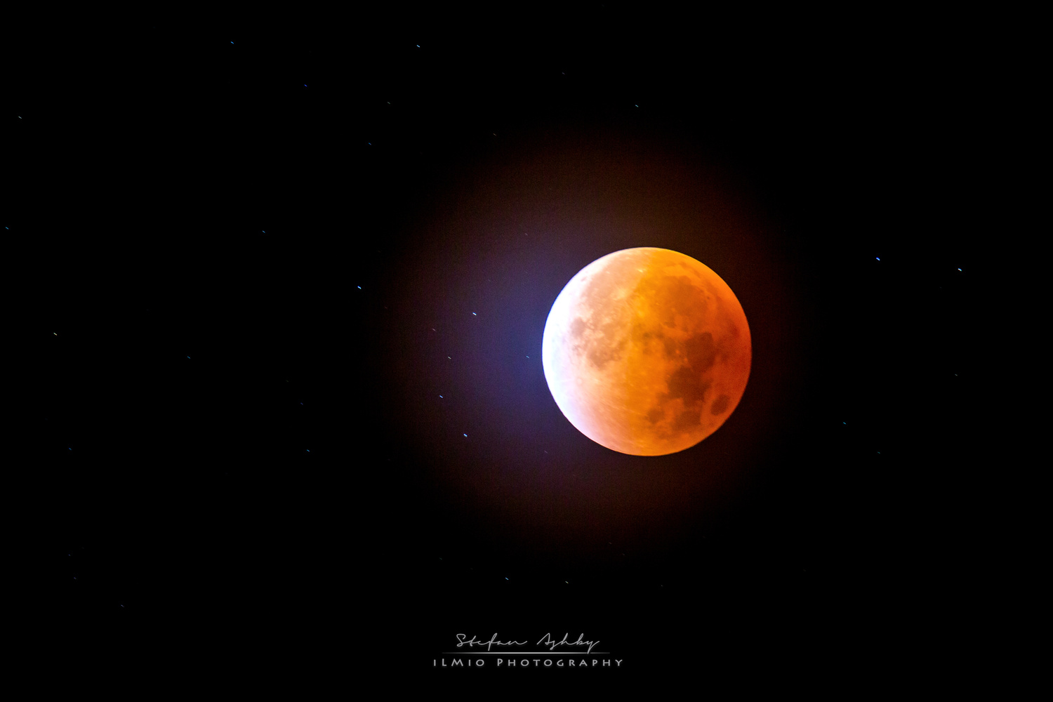 Blood Moon Eclipse by Stefan Ashby